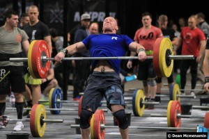 Craig Punton mid snatch at the 2015 Athlete Games